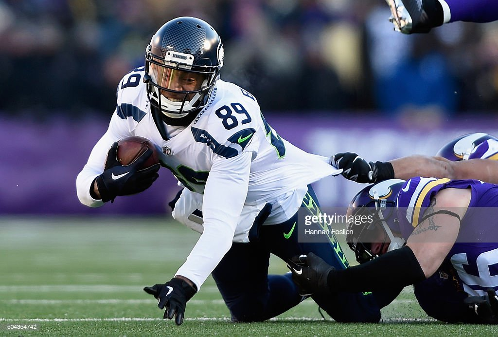 Doug Baldwin #89 of the Seattle Seahawks is tackled in the second quarter against the Minnesota Vikings during the NFC Wild Card Playoff game at TCFBank Stadium on January 10, 2016 in Minneapolis, Minnesota.
