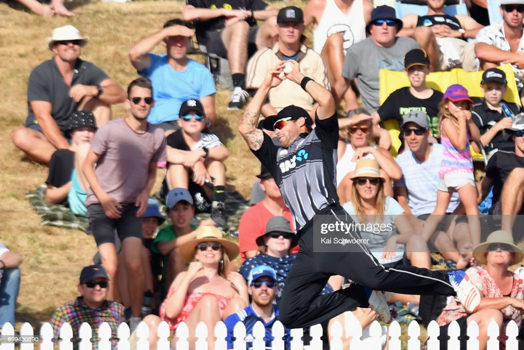 Doug Bracewell of New Zealand fields the ball during game one of the Twenty20 series between New Zealand and the West Indies at Saxton Field on December 29, 2017 in Nelson, New Zealand.