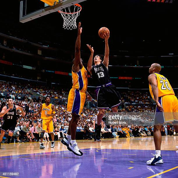Doug Christie of the Sacramento Kings goes up for a shot against the Los Angeles Lakers at the Staples Center on February 42001 NOTE TO USER User...