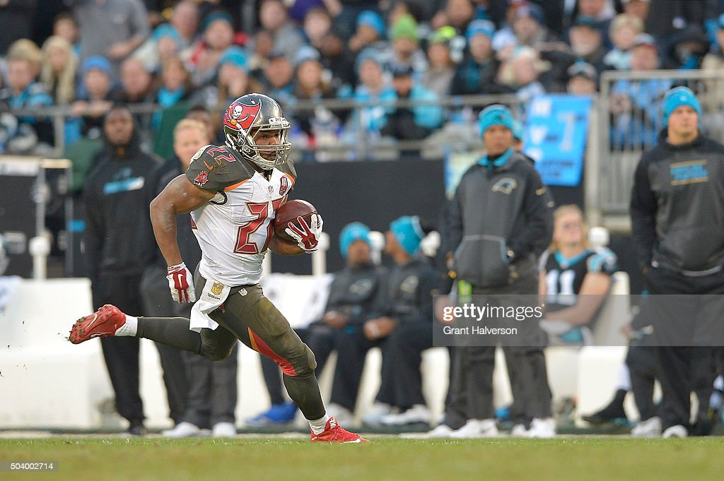 Tampa Bay Buccaneers v Carolina Panthers : News Photo