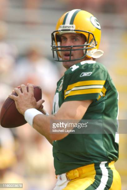 Doug Pederson of the Green Bay Packers warms up before a football game against the Minnesota Vikings a at Lambeau Field on September 7 2003 in Green...