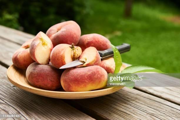 Doughnut peaches
