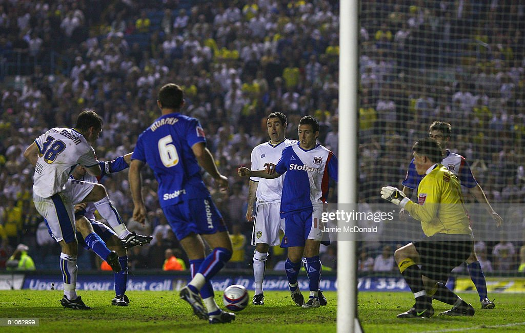 Dougie Freedman scores for Leeds during the League 1 Playoff Semi Final, 1st Leg match between Leeds United and Carlisle United at Elland Road on May 12, 2008 in Leeds, England.