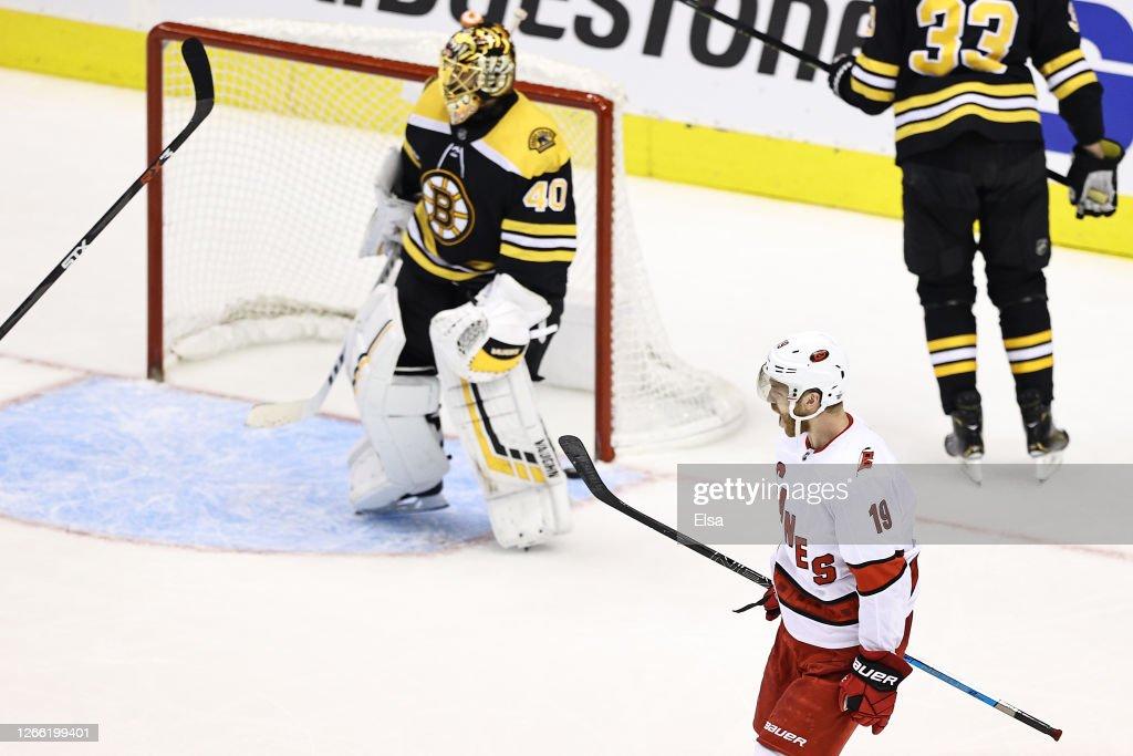 Carolina Hurricanes v Boston Bruins - Game Two : News Photo