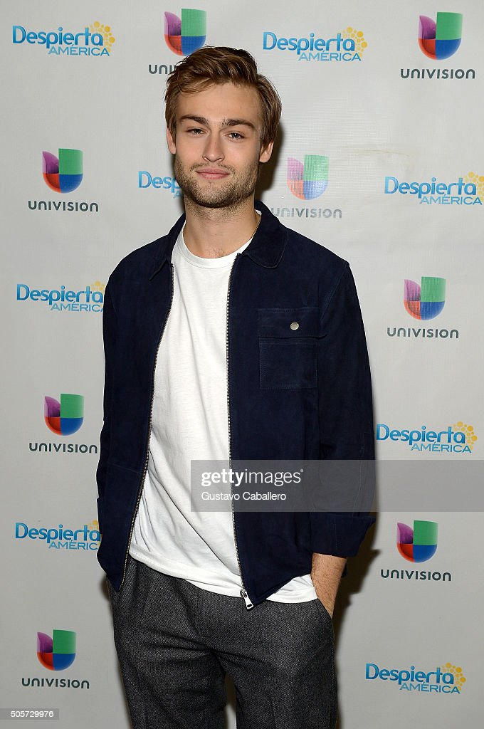 "Celebrities On The Set Of Univision's ""Despierta America"" - January 19, 2016"
