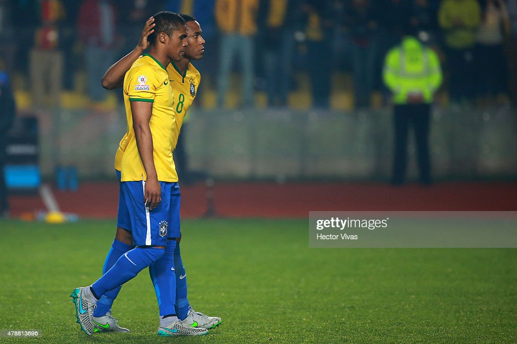 Brazil v Paraguay - 2015 Copa America Chile