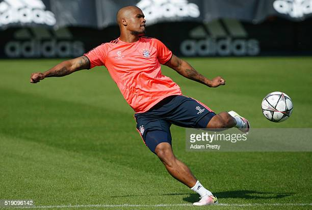 Douglas Costa in action during a FC Bayern Muenchen training session ahead of their UEFA Champions League quarter final first leg match against...