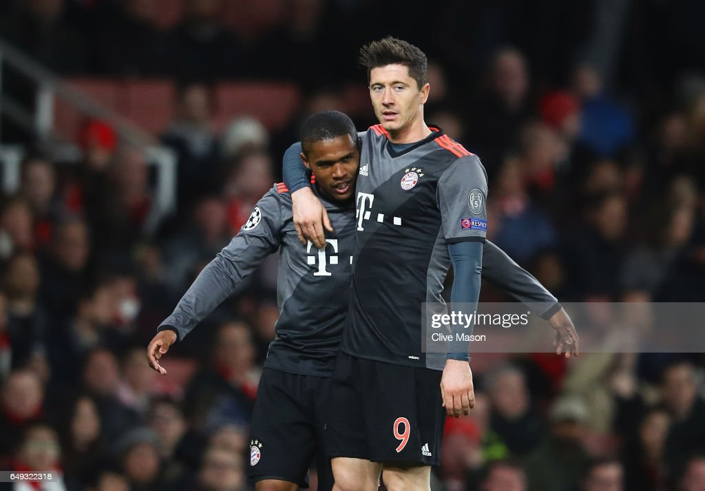Arsenal FC v FC Bayern Muenchen - UEFA Champions League Round of 16: Second Leg : Foto jornalística