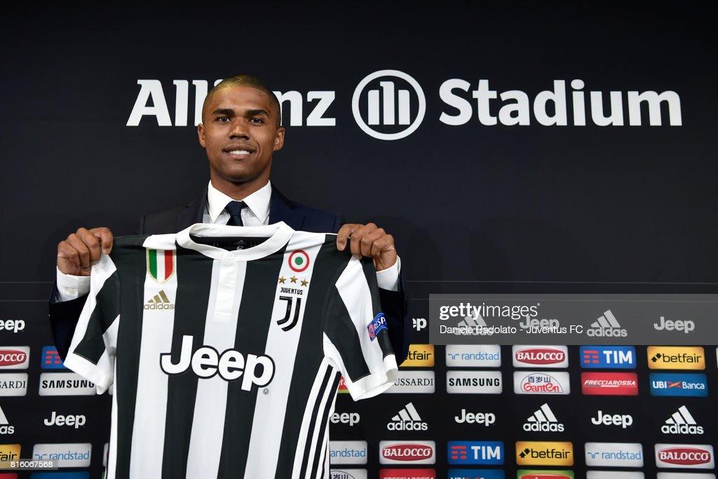 Juventus Unveils New Signing Douglas Costa : News Photo