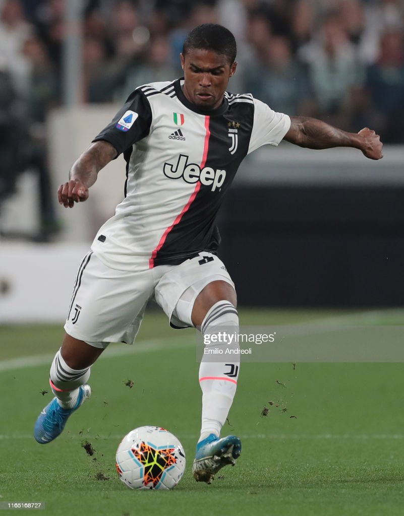 Douglas Costa Of Juventus Kicks The Ball During The Serie A Match News Photo Getty Images