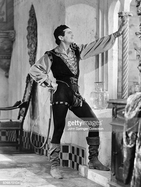 Douglas Fairbanks as Petruchio in the 1929 comedy The Taming of the Shrew, an adaption of the play by William Shakespeare.