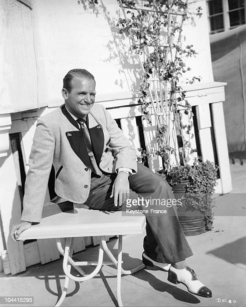 Douglas FAIRBANKS junior is wearing a tyrolean jacket in Santa Monica, California on December the 1st 1938.