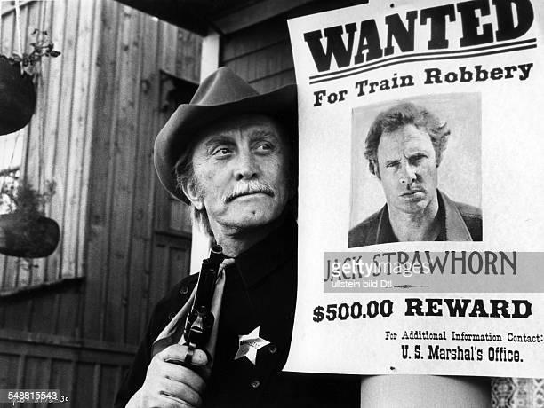 Douglas Kirk * Schauspieler USA Rollenportrait als 'Howard Nightingale' in dem Western Maenner des Gesetzes Regie Kirk Douglas USA 1975