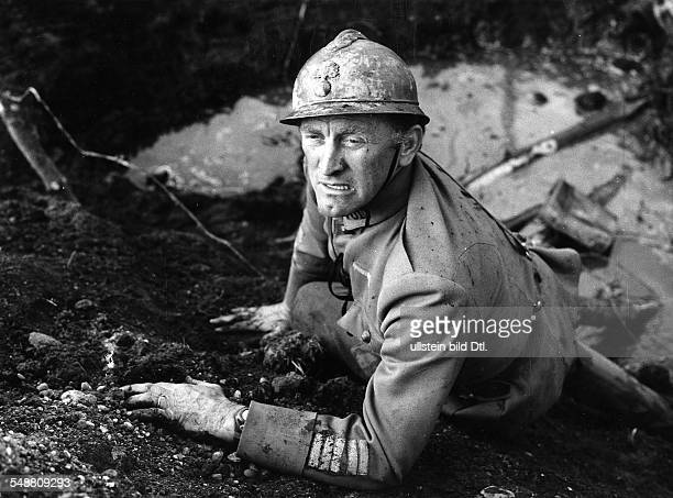 Douglas Kirk Actor USA * Scene from the movie 'Paths of Glory'' Directed by Stanley Kubrick USA 1957 Vintage property of ullstein bild