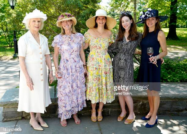 Douglas Thomas, Holly Cunningham, Elizabeth Porteous, Michelle Forrest and Sofia Chappuis attend the Central Park Conservancy's 39th Annual Frederick...