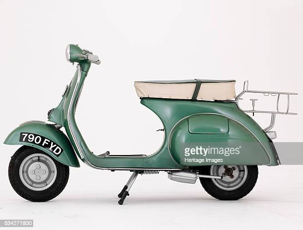 Douglas vespa 152l2 in studio 2000