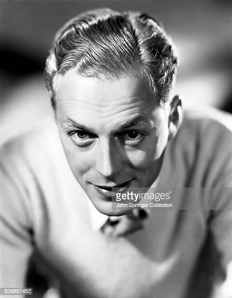 Douglas Walton at the time of his appearance in the 1936 film Mary of Scotland.