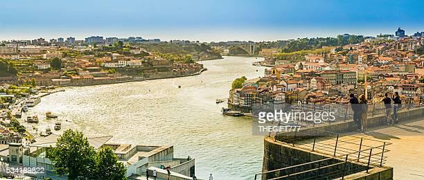 Rio Douro no ribeira do colina mosteiro
