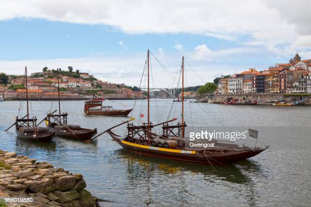 douro river in porto - gwengoat stock pictures, royalty-free photos & images