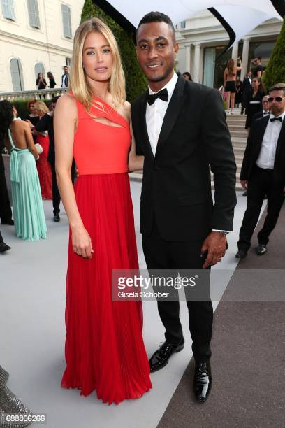 Doutzen Kroes and her husband Sunnery James arrive at the amfAR Gala Cannes 2017 at Hotel du CapEdenRoc on May 25 2017 in Cap d'Antibes France