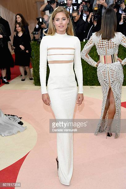 Doutzen Kroes attends the 'Manus x Machina Fashion In An Age Of Technology' Costume Institute Gala at Metropolitan Museum of Art on May 2 2016 in New...