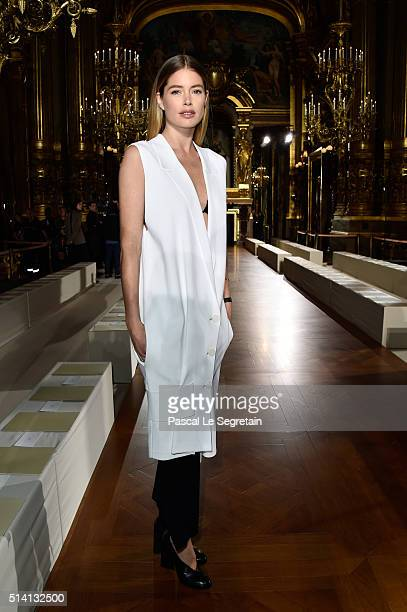Doutzen Kroes attends the Stella McCartney show as part of the Paris Fashion Week Womenswear Fall/Winter 2016/2017 on March 7 2016 in Paris France