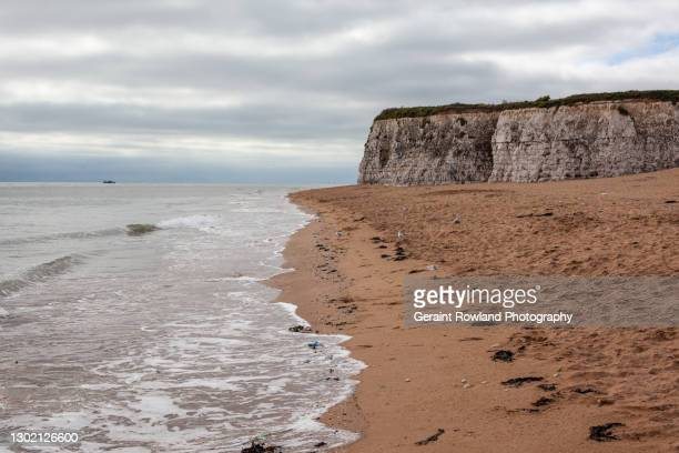dover beach & cliffs - shallow stock pictures, royalty-free photos & images