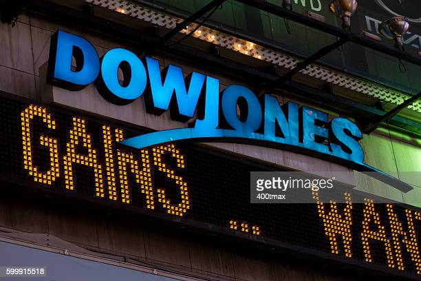 dow jones - dow jones industrial average stock pictures, royalty-free photos & images