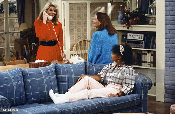 LIFE 'Down and Out in Malibu Part 1' Episode 1 Pictured Lisa Whelchel as Blair Warner Mindy Cohn as Natalie Letisha Sage Green Kim Fields as Dorothy...