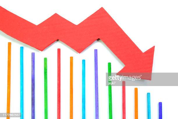 down arrow chart - moving down stock pictures, royalty-free photos & images