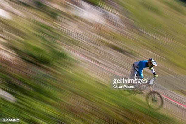 Ciclista de montanha moto Racer