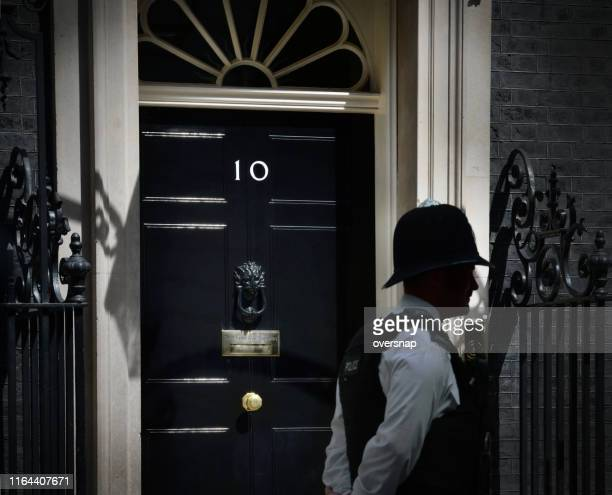 downing street shadows - metropolitan police stock pictures, royalty-free photos & images