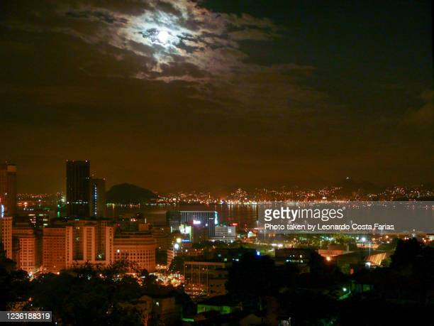 downtown at the full moon - leonardo costa farias stock pictures, royalty-free photos & images