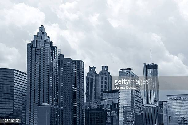 downtown atlanta - atlanta skyline stock pictures, royalty-free photos & images
