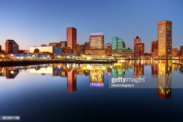 downtown baltimore maryland skyline - baltimore maryland - fotografias e filmes do acervo