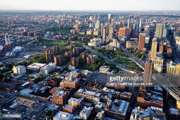 downtown brooklyn new york - brooklyn new york stockfoto's en -beelden