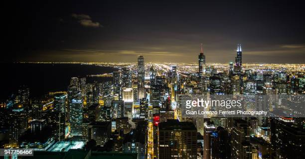 downtown chicago at night - 4k resolution stock pictures, royalty-free photos & images