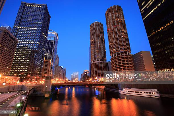 downtown chicago, illinois - wacker drive stock photos and pictures