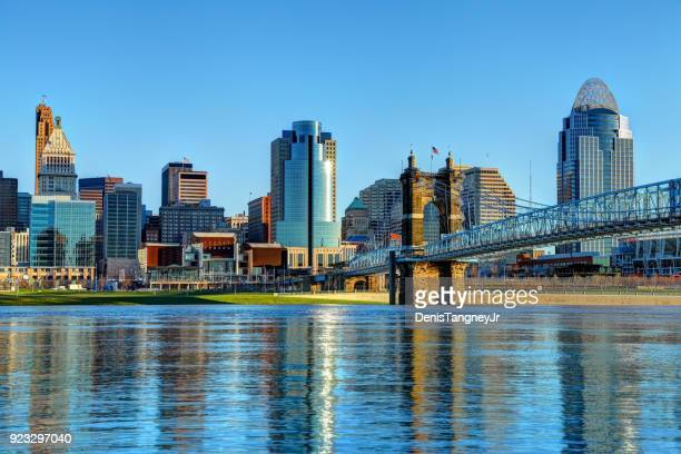 downtown cincinnati ohio skyline - ohio stock photos and pictures