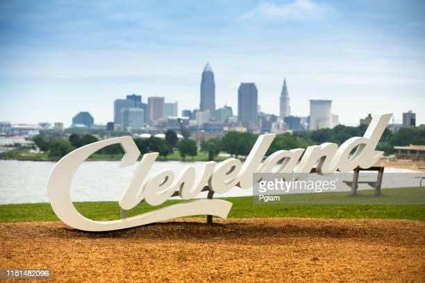 downtown cleveland city skyline in ohio usa - cleveland ohio stock photos and pictures