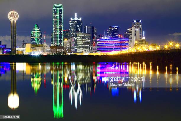 downtown dallas skyline reflections - dallas stock pictures, royalty-free photos & images