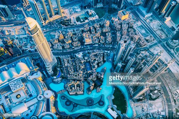downtown dubai - image stock pictures, royalty-free photos & images