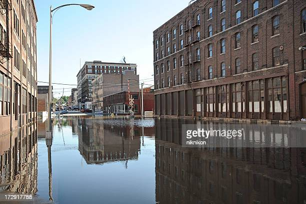 downtown flooding - flooding stock photos and pictures