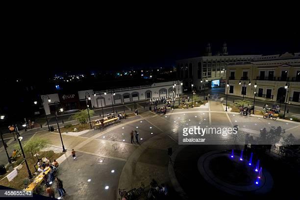 hermosillo en el centro de la ciudad por la noche - hermosillo fotografías e imágenes de stock
