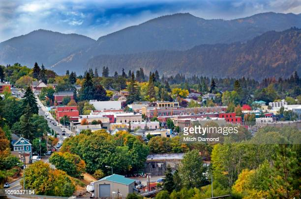 downtown hood river - hood river stock pictures, royalty-free photos & images