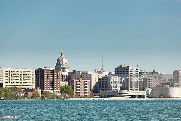 downtown madison wisconsin with capitol dome in the skyline - madison wisconsin stock pictures, royalty-free photos & images