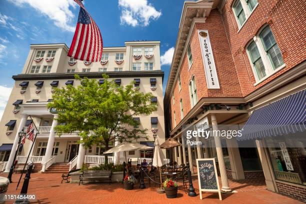 céntrica calle principal en gettysburg pennsylvania usa - pensilvania fotografías e imágenes de stock