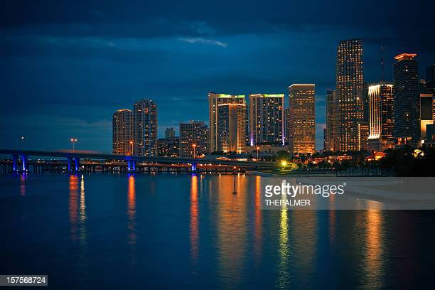 downtown miami bayfront skyline - downtown miami stock pictures, royalty-free photos & images