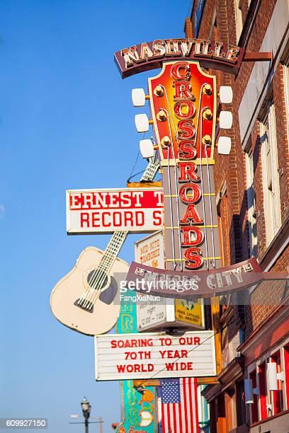 downtown nashville music entertainment establishments - nashville stock-fotos und bilder
