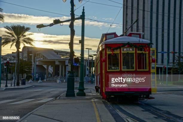 日の出ダウンタウン ニユー ・ オーリンズ、ルイジアナ - カナルストリート ストックフォトと画像
